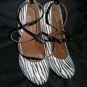 Lady Luxe zebra heels